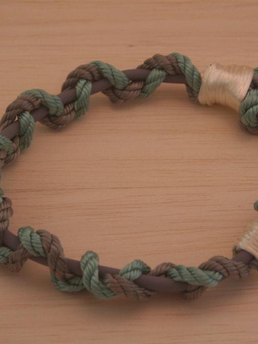 geflochtenens Hundehalsband in den Farben Türkis und grau aus Tau und Biothane