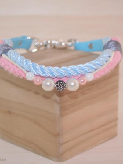 Halsband Princess in blau und rosa mit Perlen
