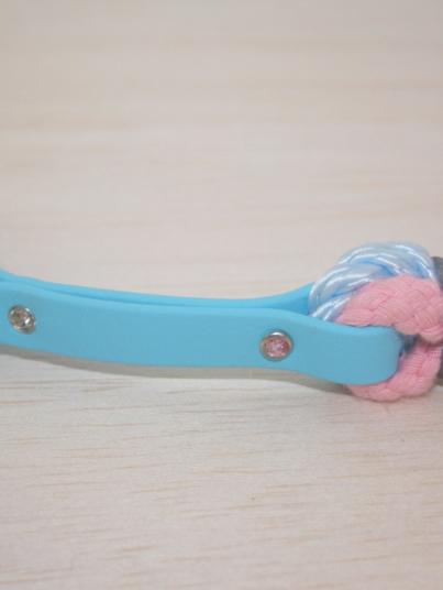 Halsband Princess mit Strassnieten auf blauem Biothane