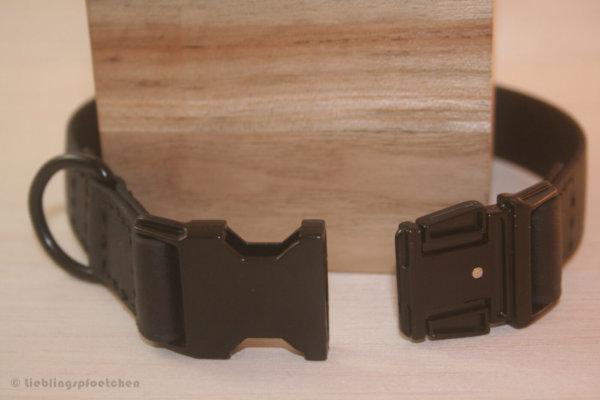Halsband in schwarz mit Steckverschluss